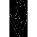 Сноубордист в прыжке с поднятой рукой