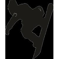 Спортсмен на сноуборде, скатывающийся вниз