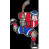 Хоккеист с поднятой вверх клюшкой