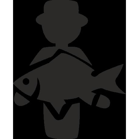 Человек с рыбой в руках
