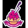 Кекс с ножом